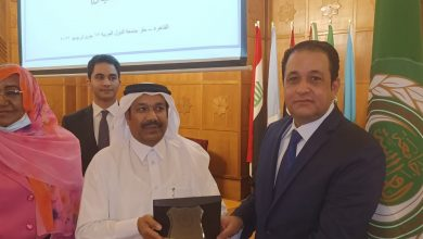 صورة بالصور| جامعة الدول العربية تكرم النائب علاء عابد